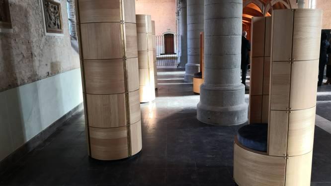 In Lampernisse vinden overledenen hun laatste rustplaats in de kerk zelf