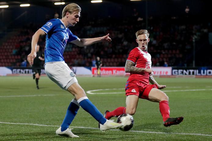 Vincent Vermeij in actie tegen Jong FC Utrecht.