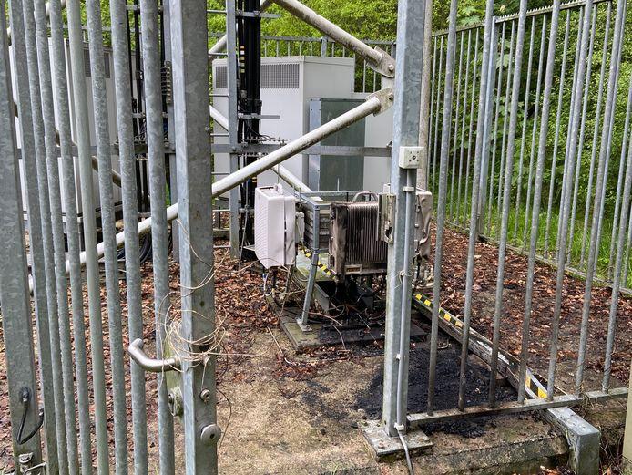 De brand bij de 5G-zendmast in Swifterbant richtte niet heel veel schade aan.