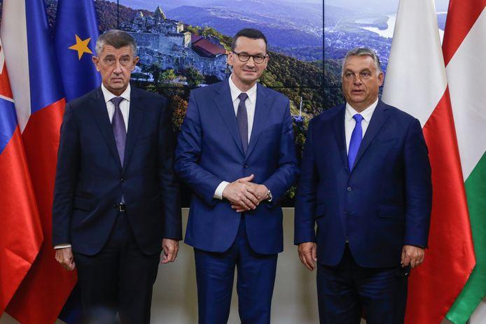 De Tsjechische eerste minister Andrej Babis, de Poolse premier Mateusz Morawiecki en de Hongaarse premier Viktor Orbàn