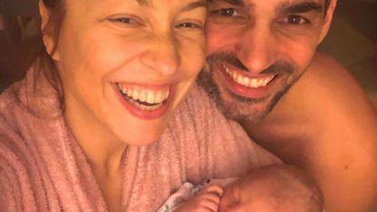 Natalia speelt scène uit 'Leeuwenkoning' na met pasgeboren dochter