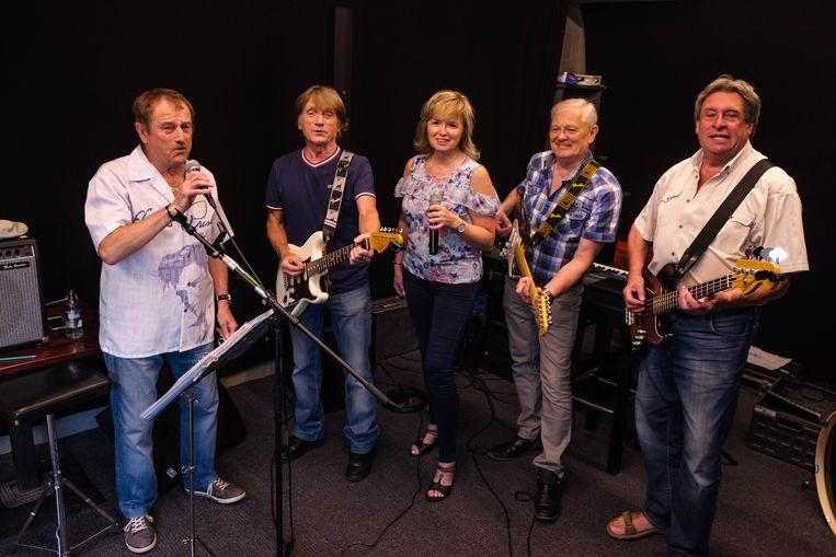 De Midnight Group met van links naar rechts Luc Wandelaer, Jan Baeyens, Karina De Gendt, Dré Verbeeck en Frank Collier.