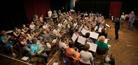 Publiek mag stemmen op favoriete nummer voor 'Friends-concert' harmonie Dommelecho