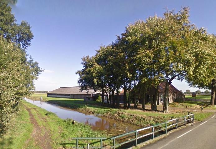 De beoogde locatie voor de mestfabriek aan De Quayweg tussen Venhorst en Landhorst.
