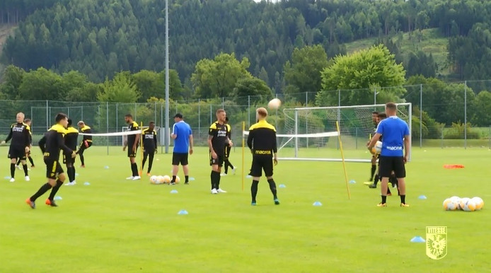 Vitesse op trainingskamp.