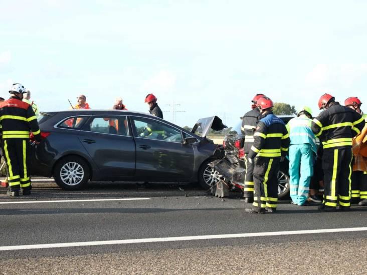 Kop-staart botsing op A4 bij Woensdrecht, twee gewonden