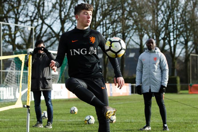 NEC-aanvaller Ole Romeny op de training van Oranje Onder 19.