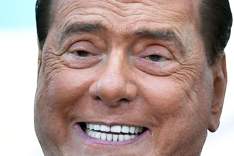 Ex-premier Silvio Berlusconi, voorzitter van Forza Italia, spreekt op de manifestatie van rechts Italië.  Beeld AFP