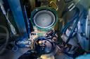 De speciale machine die op de TU/e is gemaakt om de lasers te vormen.