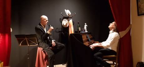 Poëzie en chansons maken een heus vestzaktheatertje van La Bohème