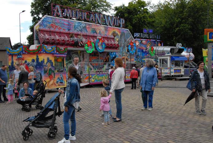 De American Wipp is een van de circa twintig attracties op de Rosmalense kermis
