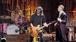 Gitarist Foo Fighters verkoopt 20 gitaren