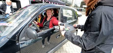 Open dag van de Universiteit Twente vanuit de auto: DriveUThrough