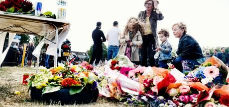 Honderden scooteraars herdenken Nieuwegeiner Sam (18) die een botsing met een sneltram niet overleefde