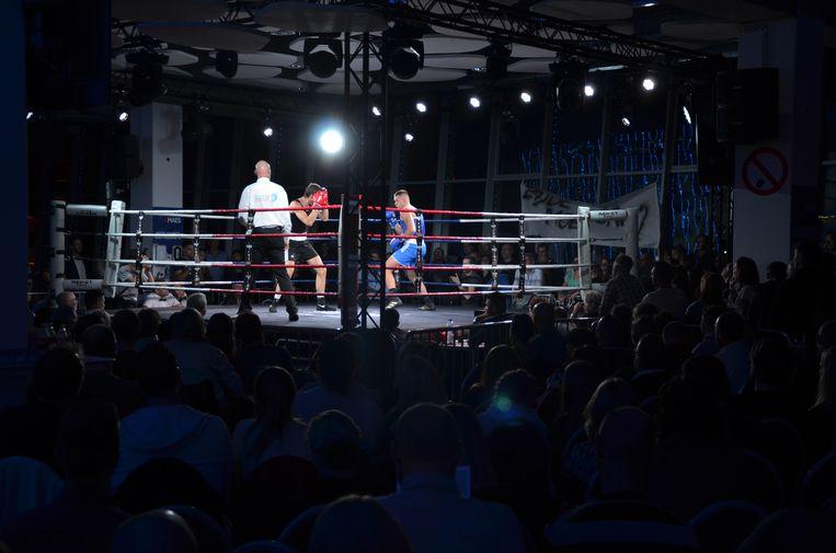 Het eerste boksgala van Junior Bauwens bracht meteen meer dan 800 mensen op de been.