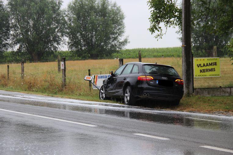 Drie wagens moesten getakeld worden na het ongeval.