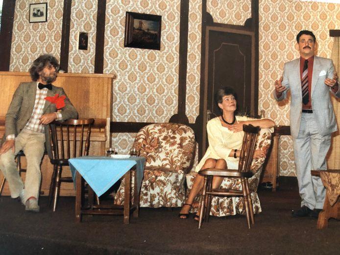 Harrie Bakermans (rechts), Marije Tesselaar en Louis van den Boomen in actie voor Crescendo.