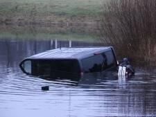 Vrouw uit water bij Nijverdal gered dankzij heldhaftige passant