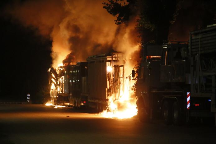 Vrachtwagens in brand