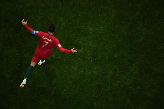 Cristiano Ronaldo na zijn derde goal tegen Spanje.