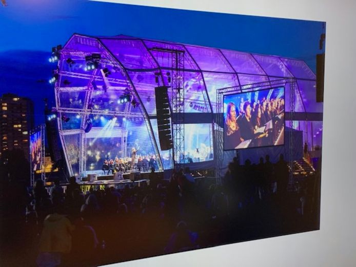 Een impressiebeeld van de tent die ze voor de ijsbaan in Sint-Oedenrode voor ogen hebben voor het winterevenement Rooice.