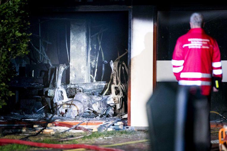 De schade aan het gemeentehuis van Lingewaard nadat de auto er is binnengereden. Beeld ANP
