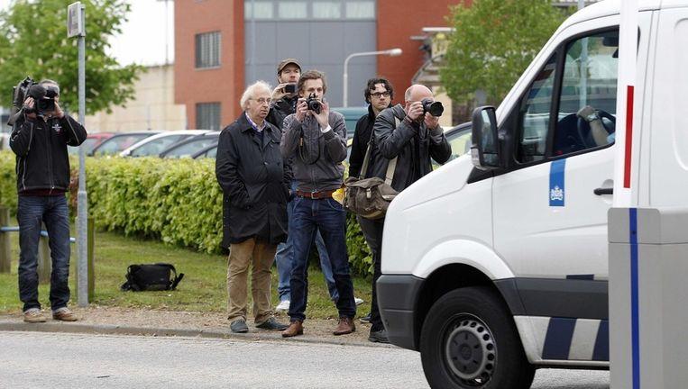 Journalisten wachten op de vrijlating van Volkert van der G.