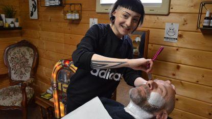 """""""Tuinhuis omgebouwd tot barbershop"""""""