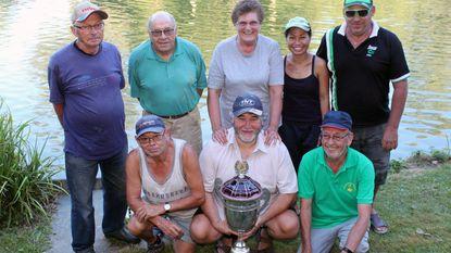 Johnny Verheylesonne wint zomervissing aan 't Putje