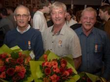 Koninklijke onderscheiding voor drie  broers uit Almkerk