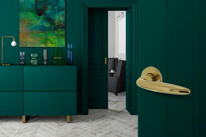 Een gewaagde optie: geef je deur een opvallende touch en kies voor een contrasterende kleur deurkruk.