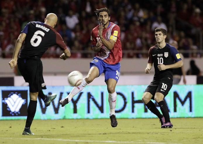 Ruiz (midden).