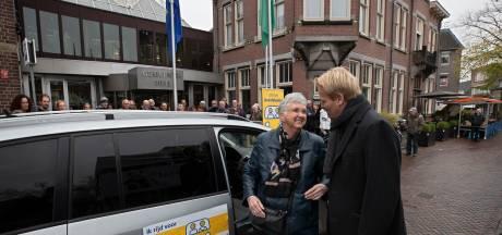 """AutoMaatje gaat nu echt rijden in Deurne; ,,Het grootste voordeel is en blijft, je wordt thuis opgehaald en weer thuis gebracht"""""""