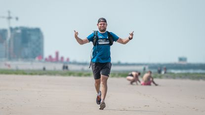 Bart (29) loopt volledige kustlijn af, goed 86,71 kilometer en 5.471 calorieën