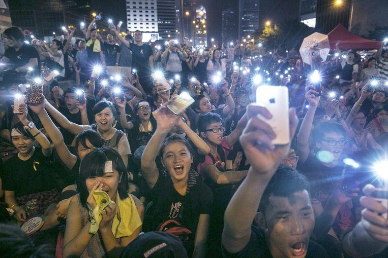 Jongerenprotest in Hongkong. Het is sterk de vraag of gebruikers van sociale media een afspiegeling zijn van de bevolking. Beeld getty