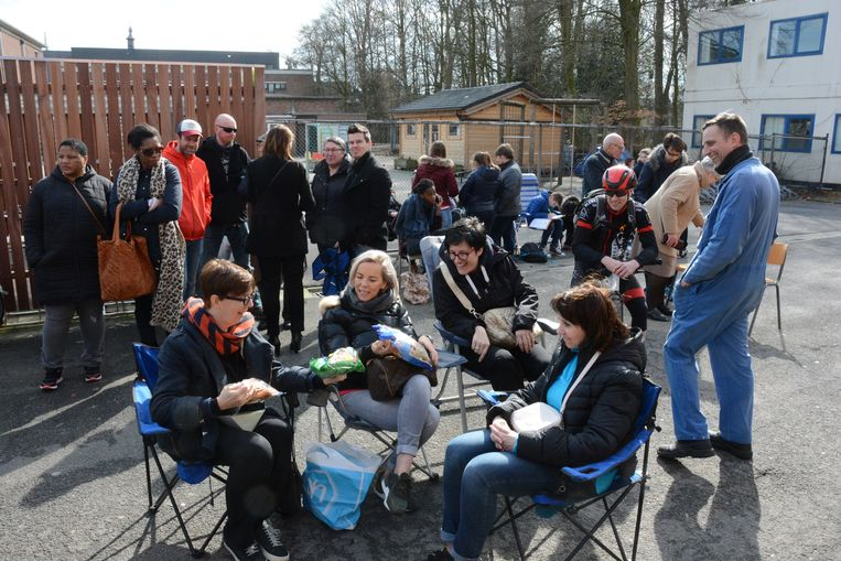 Kamperen aan de schoolpoorten lijkt ook dit jaar moeilijk te vermijden in Antwerpen.