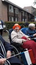 Mieke van Stiphout zit bij Sint-Jozefoord in Nuland klaar voor de bevrijdingstocht.