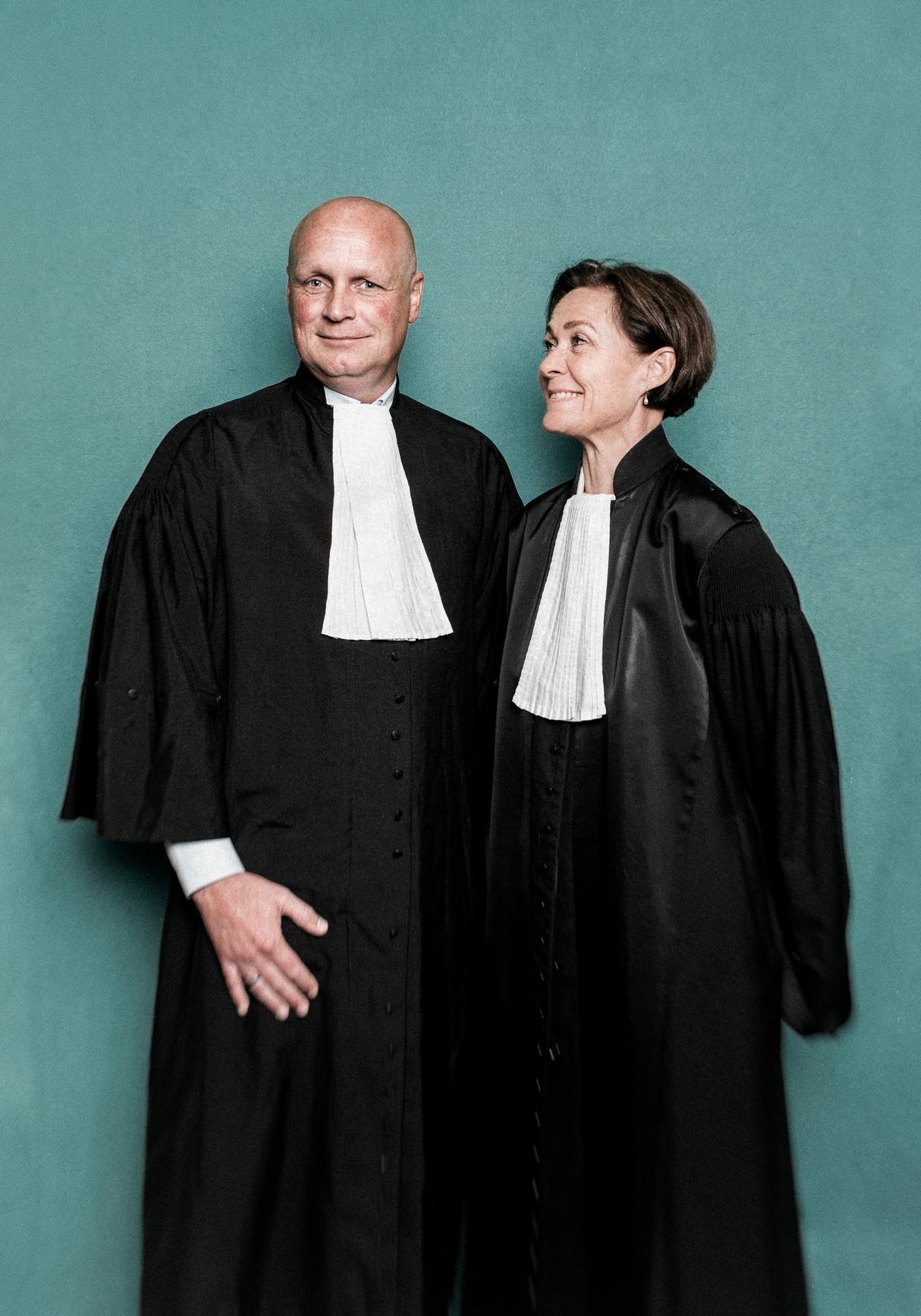 Officieren Lars Stempher en Sabine Tammes.