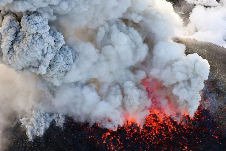 De uitbarsting van de vulkaan Shinmoedake op 6 maart van dit jaar.