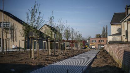 Groen plein wordt aangelegd op site van gesloopte pastorie