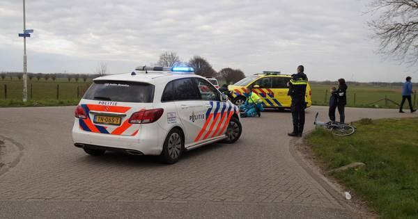 Fietsster gewond aan haar hoofd na aanrijding in Vlijmen.