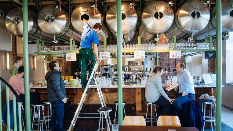 Brouwerij en bierlokaal Poesiat & Kater aan de Polderweg. Beeld Marc Driessen