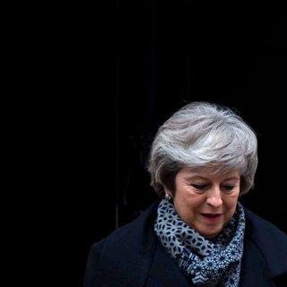 Angst voor Corbyn redt May: motie van wantrouwen niet aangenomen