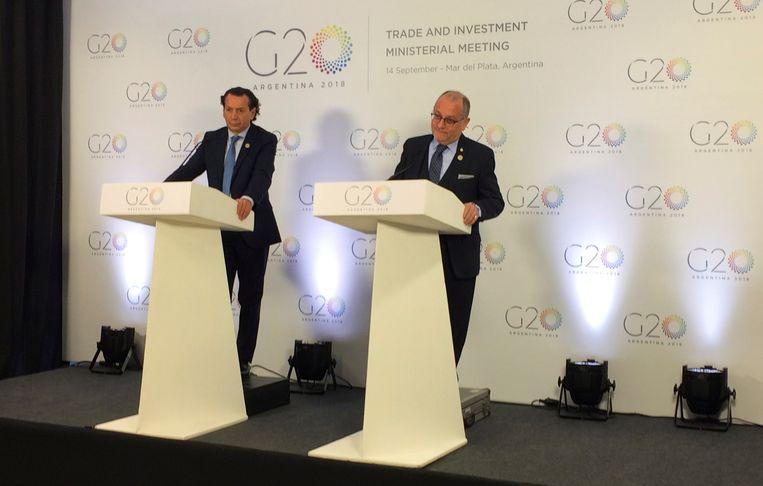 Minister van productie Dante Sica en minister van Buitenlandse Zaken Jorge Faurie van Argentinië tijdens een persconferentie van de G20 in Mar del Plata.
