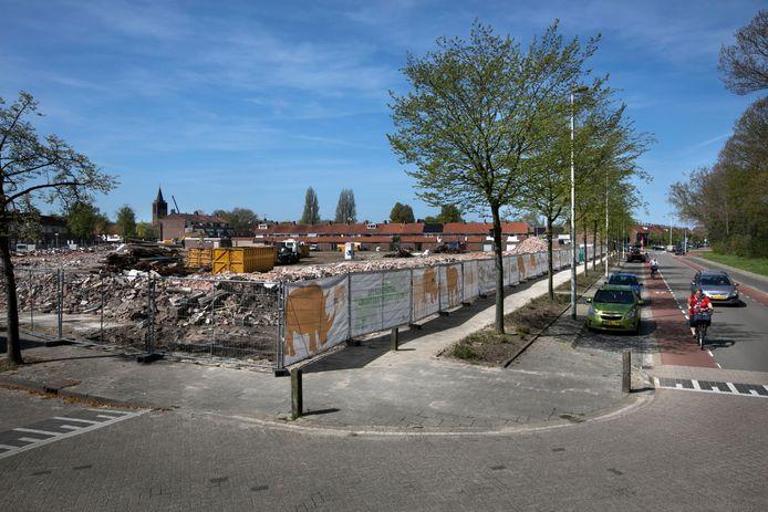 Op de plaats van de gesloopte woningen aan de Neushoornstraat in Eindhoven komt dit jaar nieuwbouw.