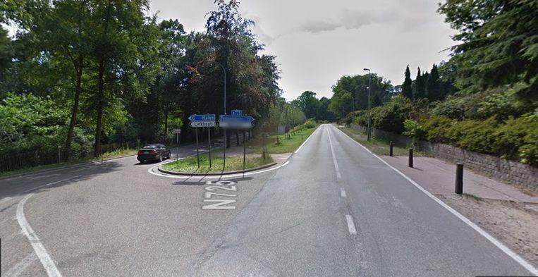 De rijbaan wordt vernieuwd vanaf het kruispunt met de Schalbroekstraat.