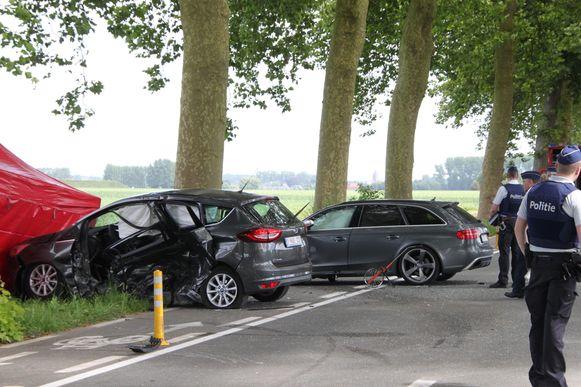 langs de Oudenaardsesteenweg in Kerkhove kwam Luc Delobelle uit Moen om het leven bij een ongeval