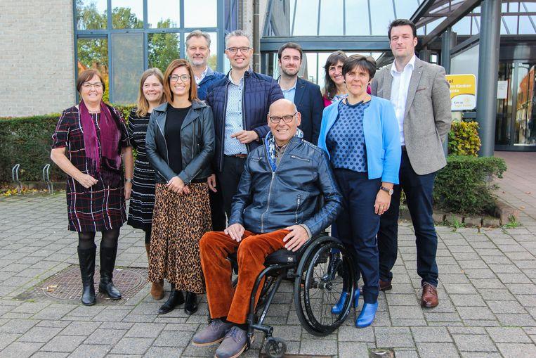 Archieffoto: Luc Van Craenendonck (midden vooraan) bij de voorstelling van de nieuwe bestuursploeg in november 2018