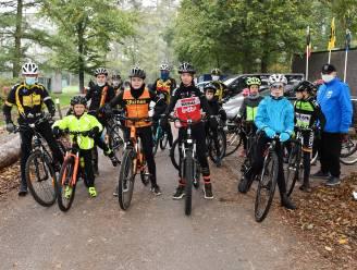 Herentalse wielerschool brengt mooi eerbetoon aan boegbeeld Jos Leys