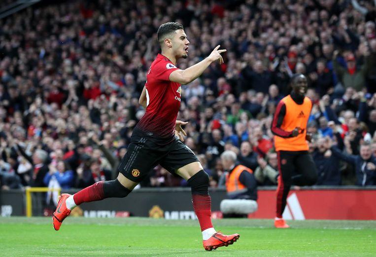 De Braziliaanse Belg Andreas Pereira viert de gelijkmaker tegen Southampton, zijn eerste goal in de Premier League.